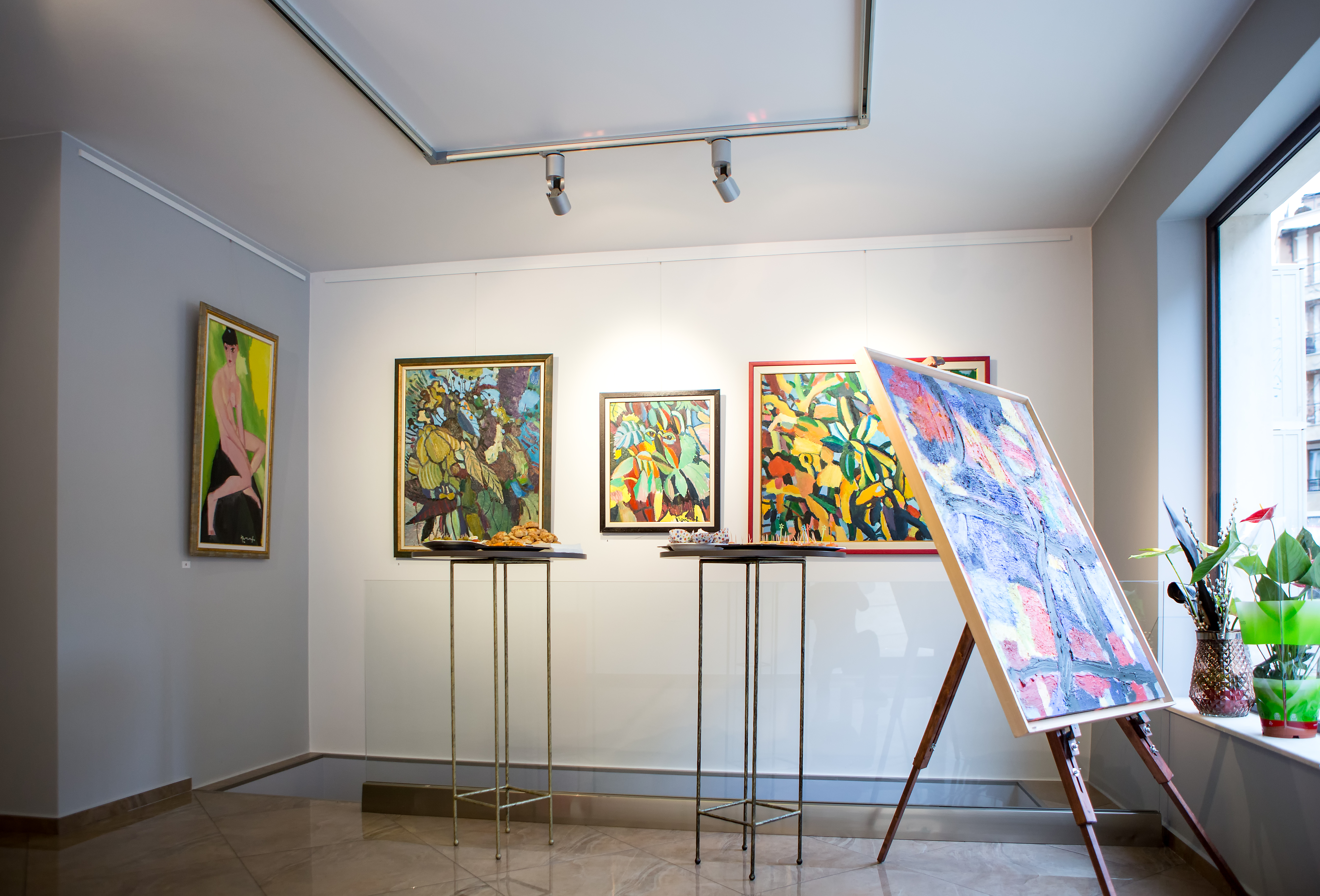 Art exhibition in the minimalistic, contemporary space of Art Gallery Tereza Zikovska in Varna